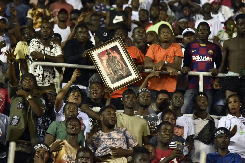 Des fans de DJ Arafat au Stade Felix Houphouët- Boigny, le 30 Août 2019 .