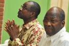 Gilbert Diendéré et Djibrill Bassolé devant la Haute Cour de justice de Ouagadougou, les 27 avril 2017.