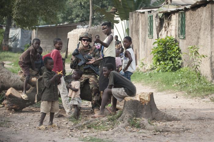 Les français de Sangaris et les Congolais de la Misca se déploient dans le quartier