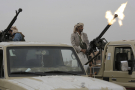 Un combattant houthi ouvrant le feu à Sanaa, la capitale yéménite, début août 2019 (image d'illustration).