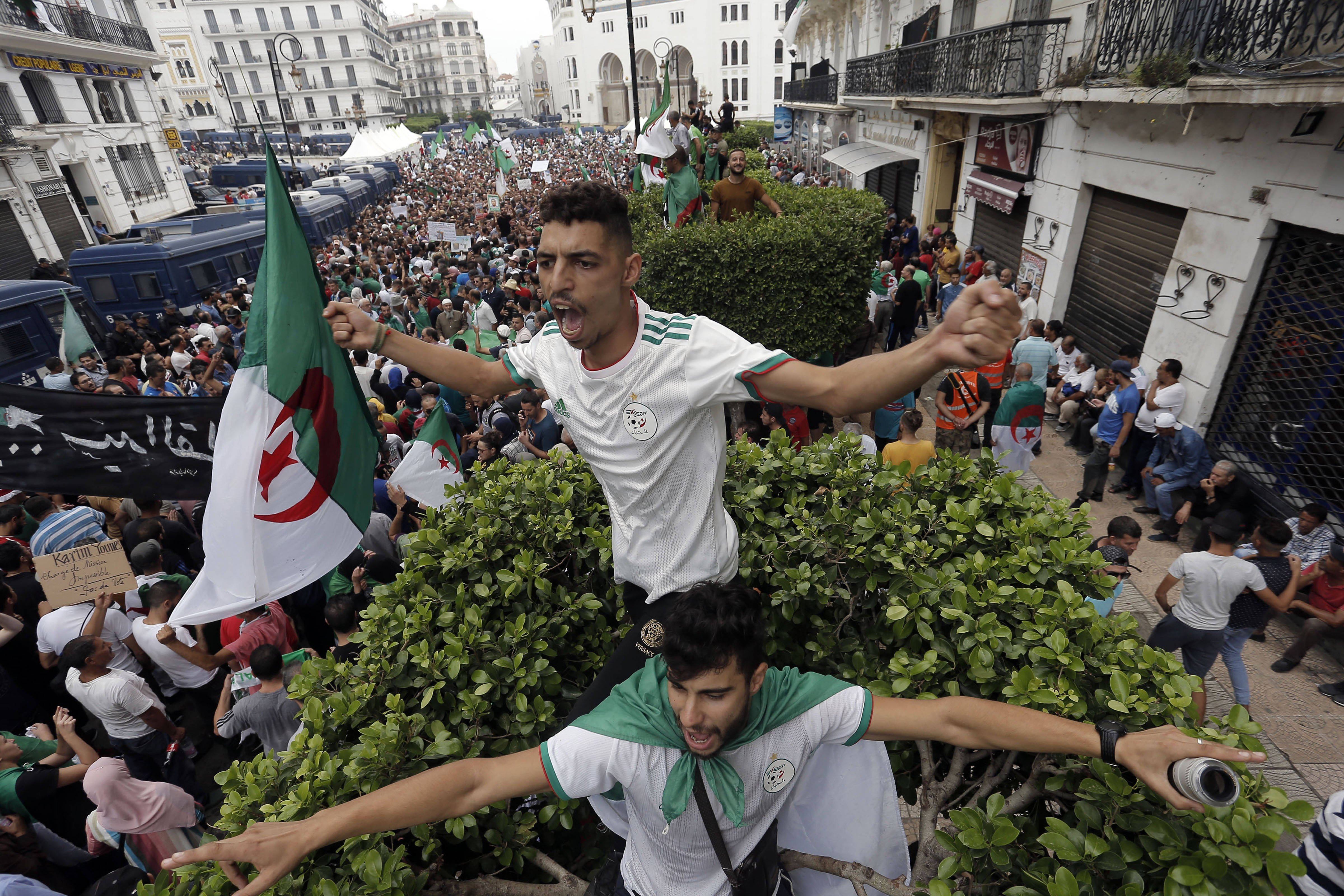 Des manifestants dans les rues d'Alger, vendredi 13 septembre 2019 (image d'illustration).