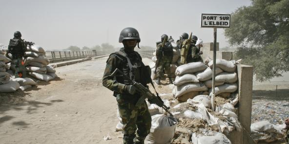 Frontière Cameroun-Nigeria à Fotokol. Ce pont drainait un trafic de 200 camions par jour. Il était incontournable pour l'approvisionnement en armes, munitions et nourriture destinés à Boko Haram.