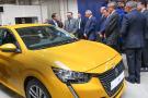 Inauguration de l'usine Kenitra au Maroc, le roi du Maroc en compagnie de Rémi Cabon, PSA Kenitra.