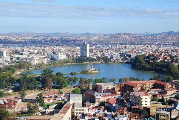 Lac Anosy, dans le centre d'Antananarivo,_