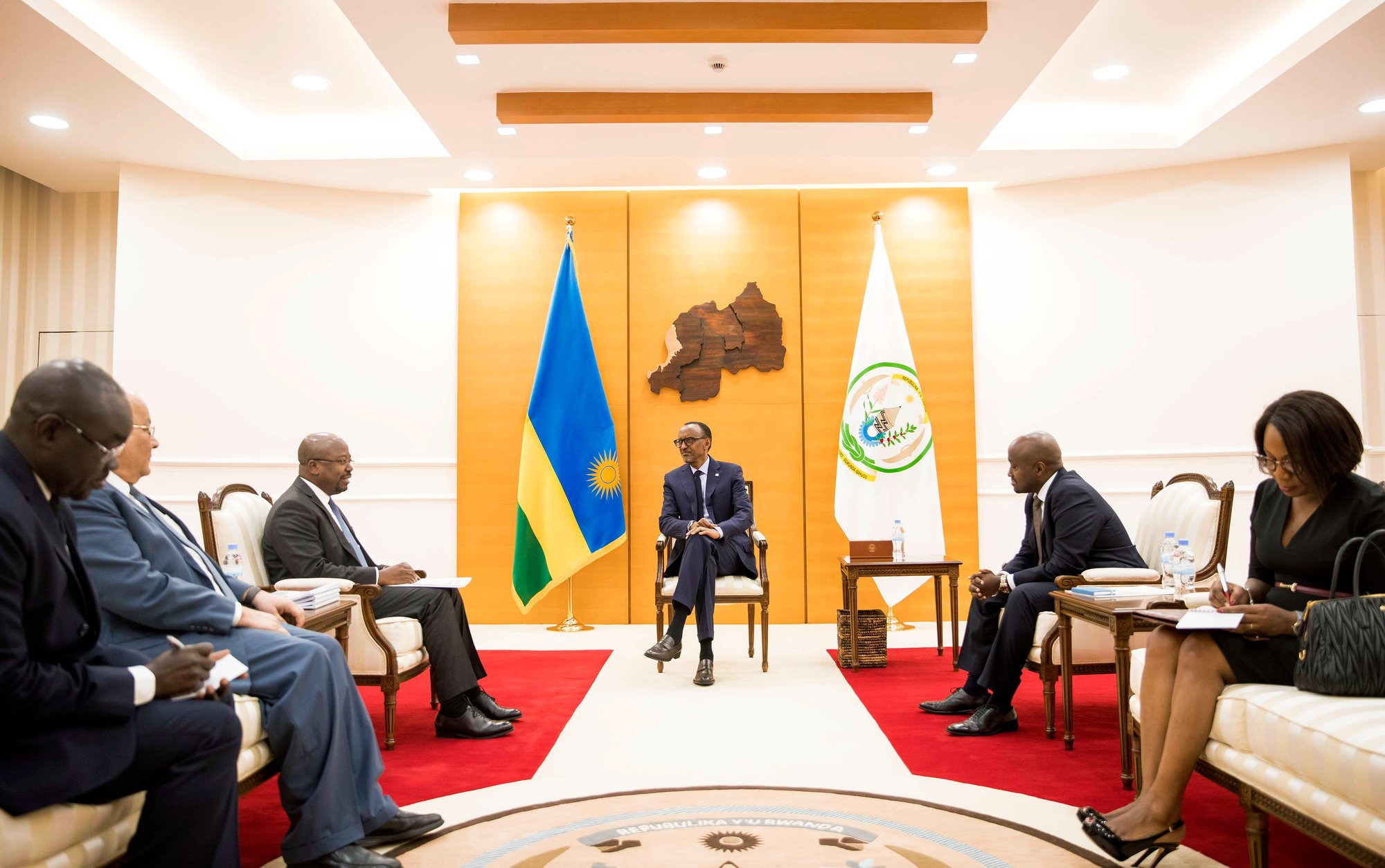 À Kigali, avec le président rwandais, Paul Kagame, le 9septembre.