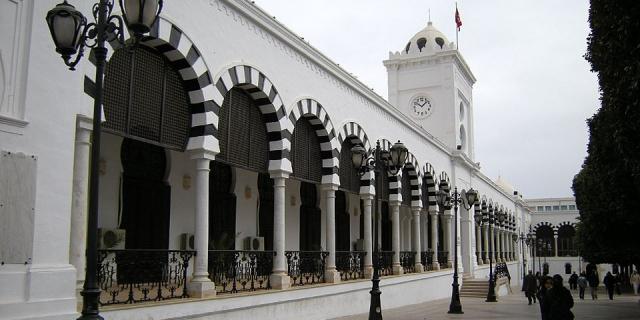 Après les élections, la Tunisie empêtrée dans le délicat financement de sa dette