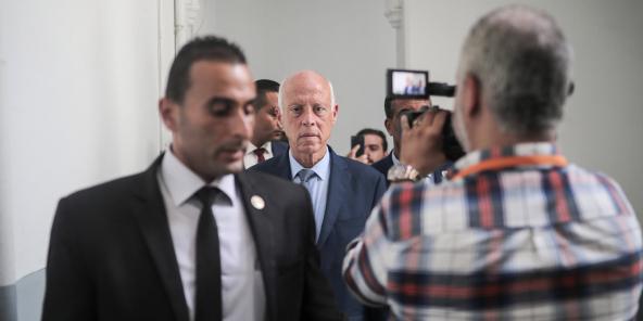 Kaïs Saïed, candidat à l'élection présidentielle tunisienne , arrivant à son bureau tunisois mardi 17 septembre 2019 (image d'illustration).
