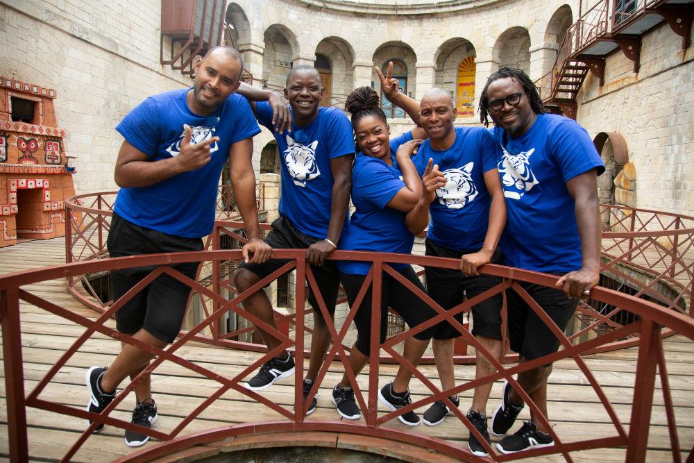 Ray Reboul, Daouda Sané, Joyce Fotso, MLory Touré et Raoul Coly (de g.à Dr.) composent l'une des équipes panafricaines sélectionnées.