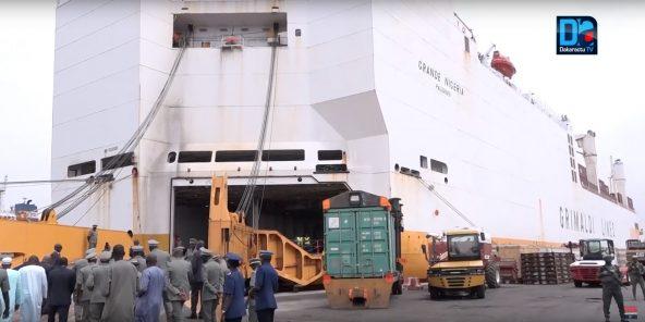 Saisie de 1,3T de cocaïne au port : la drogue évaluée à 50 milliards - Grand Nigeria1/434 vues»1 juil. 2019Dakaractu TV HD