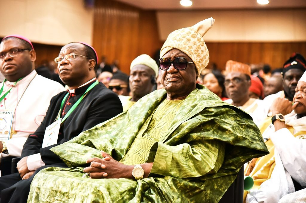 Le sultan Ibrahim Mbombo Njoya aparticipé aux discussions au palais des Congrès.