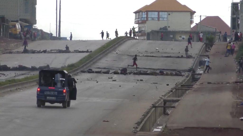Affrontements entre policiers et manifestants opposés à la révision constitutionnelle, le 14 octobre 2019 à Conakry.