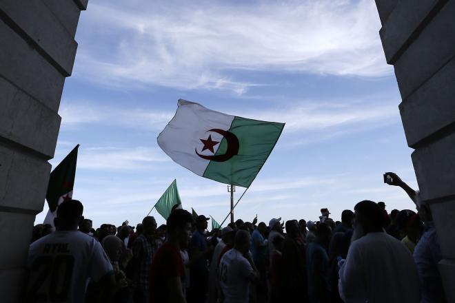 Présidentielle en Algérie : participer à l'élection du 12 décembre ou la boycotter, le débat qui divise