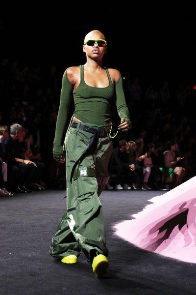 Pour son défilé lingerie, Rihanna a fait appel à la mannequin  américaine Slick Woods (ici en photo)... alors qu'elle était enceinte.