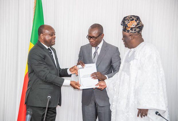 Remise officielle du rapport du comité d'experts chargé de la mise en forme technique des mesures législatives relatives aux recommandations du Dialogue politique.