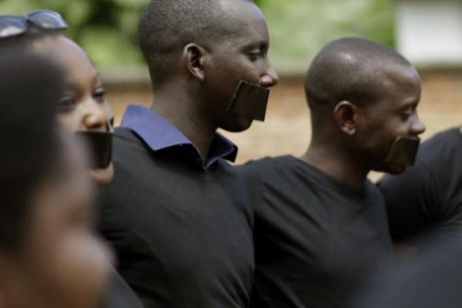 """Burundi : 15 ans de prison requis contre quatre journalistes pour """"atteinte à la sécurité de l'État"""""""