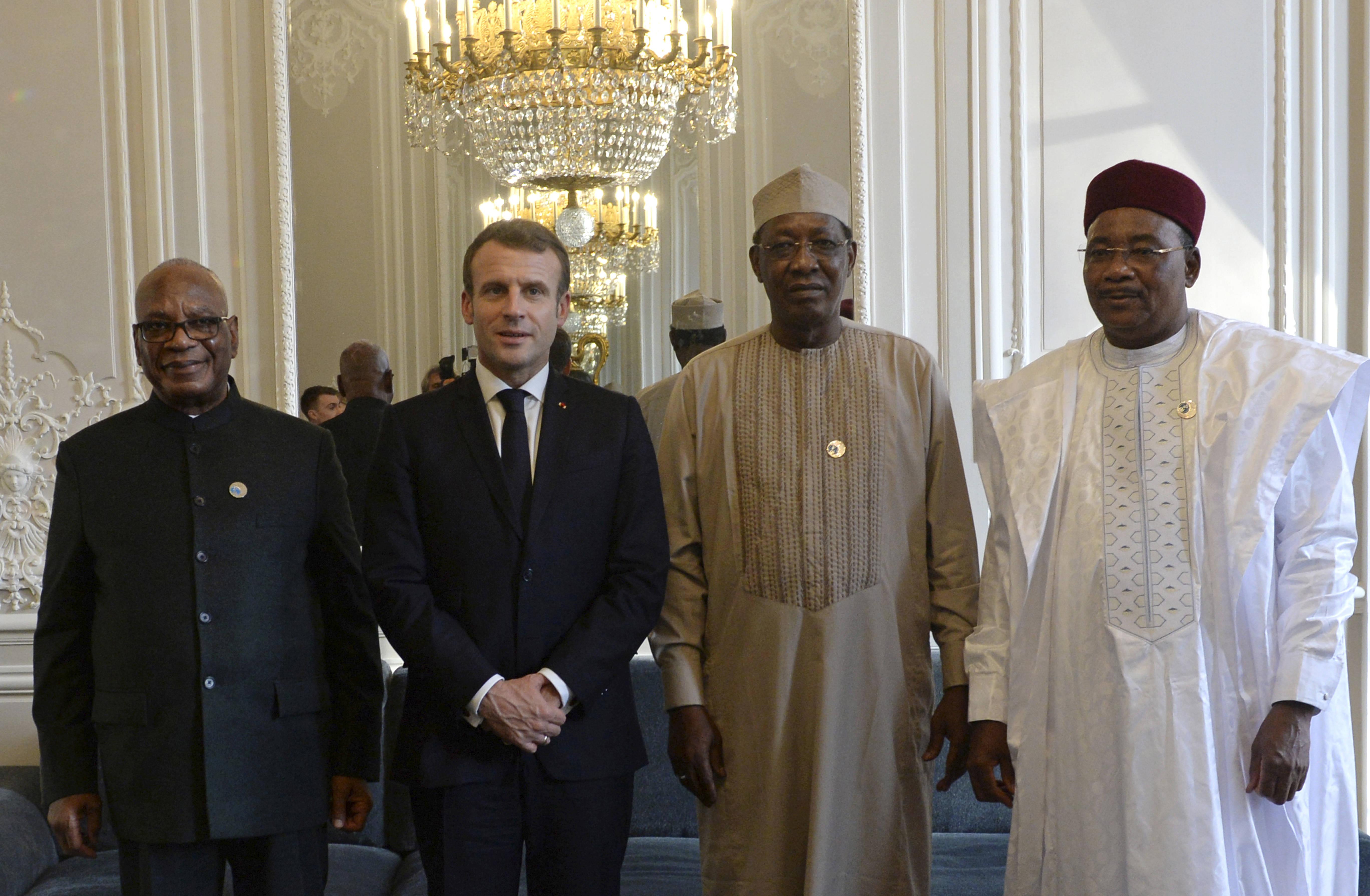 Ibrahim Boubacar Keita, Emmanuel Macron, Idriss Deby et Mahamadou Issoufou, le 12 novembre 2019.