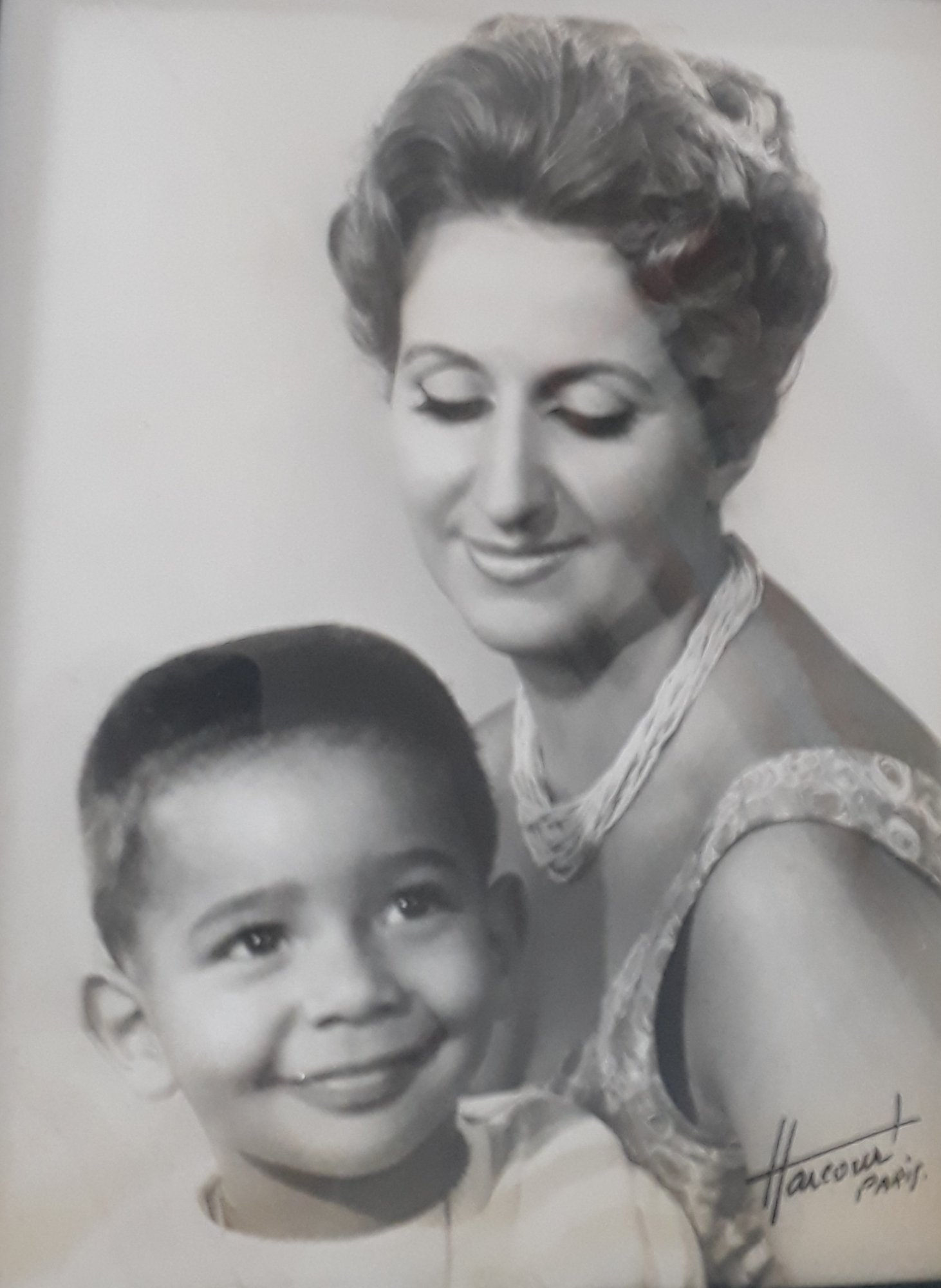 Colette Senghor et son fils Philippe.