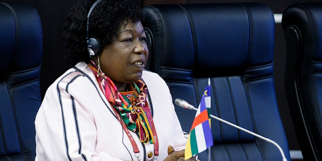 Centrafrique : la ministre de la Défense Marie-Noëlle Koyara démine le terrain