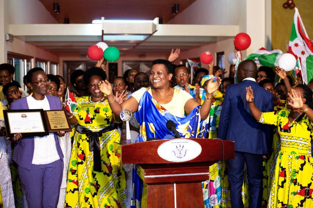 La première dame, Denise Bucumi Nkurunziza, à son retour de NewYork, le 28septembre.