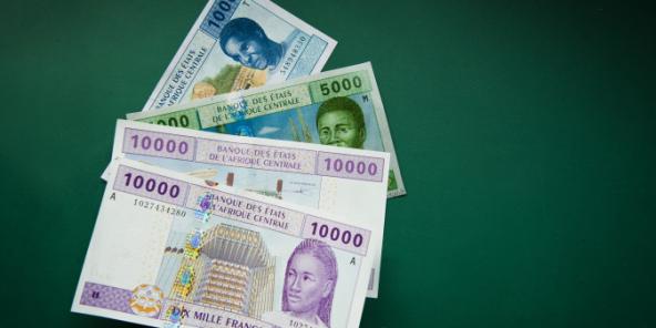 Billets de francs CFA de l'Afrique centrale.