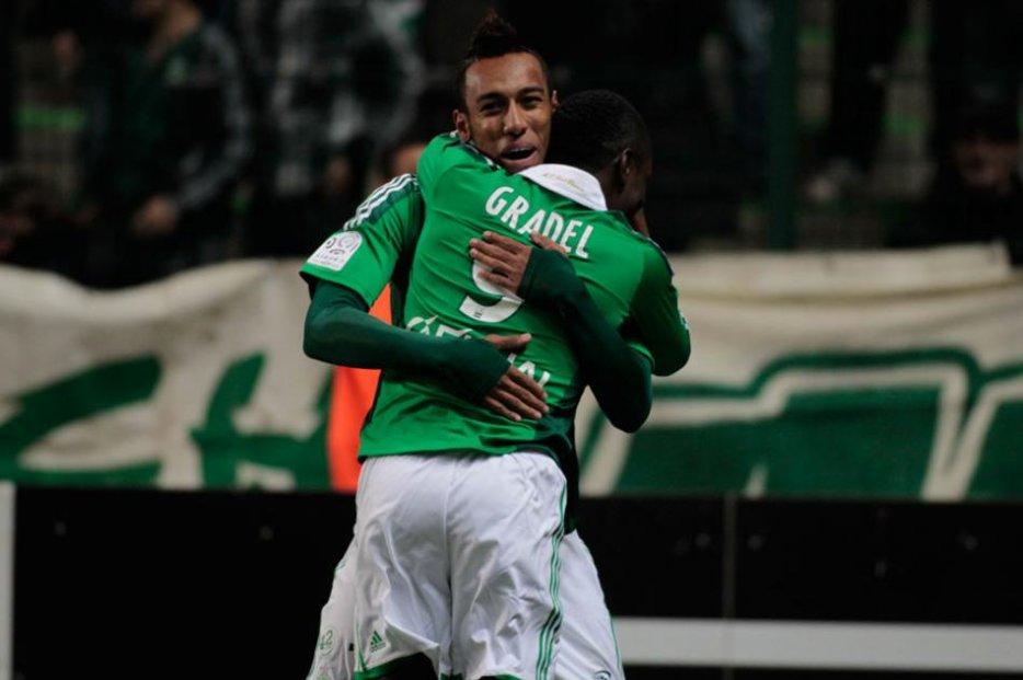 Les internationaux africains Max-Alain Gradel et Pierre-Aimerick Aubameyang, immortalisés par le photographe sous le maillot de l'AS Saint-Etienne.