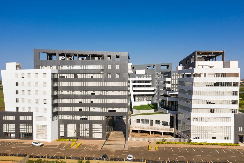 Les immeubles de la première phase du quartier ministériel de Diamniadio, inaugurée en mai 2018.