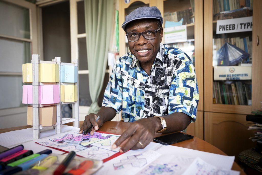 L'architecte Mbacke Niang, dans ses bureaux à Dakar.