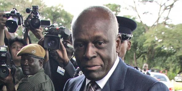 L'ancien président angolais José Eduardo dos Santos à Lusaka, en Zambie, en avril 2008.