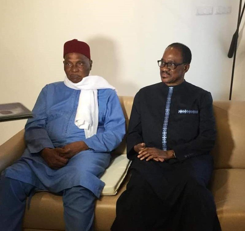 Abdoulaye Wade (g.) et Madické Niang au domicile de l'ancien président, le 24 novembre 2019.