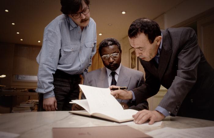 De François Soudan (elo Manager vun der Jeune Afrique), Dakolé Daïssala (Kamerunescht Minister) an de Béchir Ben Yahmed (Grënner vum Jeune Afrique), am Joer 1995.