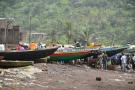 Les embarcations légères du port de Limbé, au Cameroun