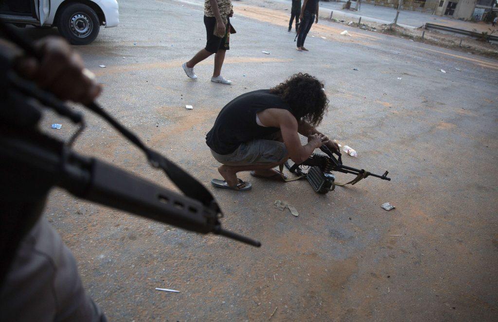 Un combattant fidèle au gouvernement de Tripoli, lors des combats contres les troupes du général Haftar, en avril 2019 (archives).