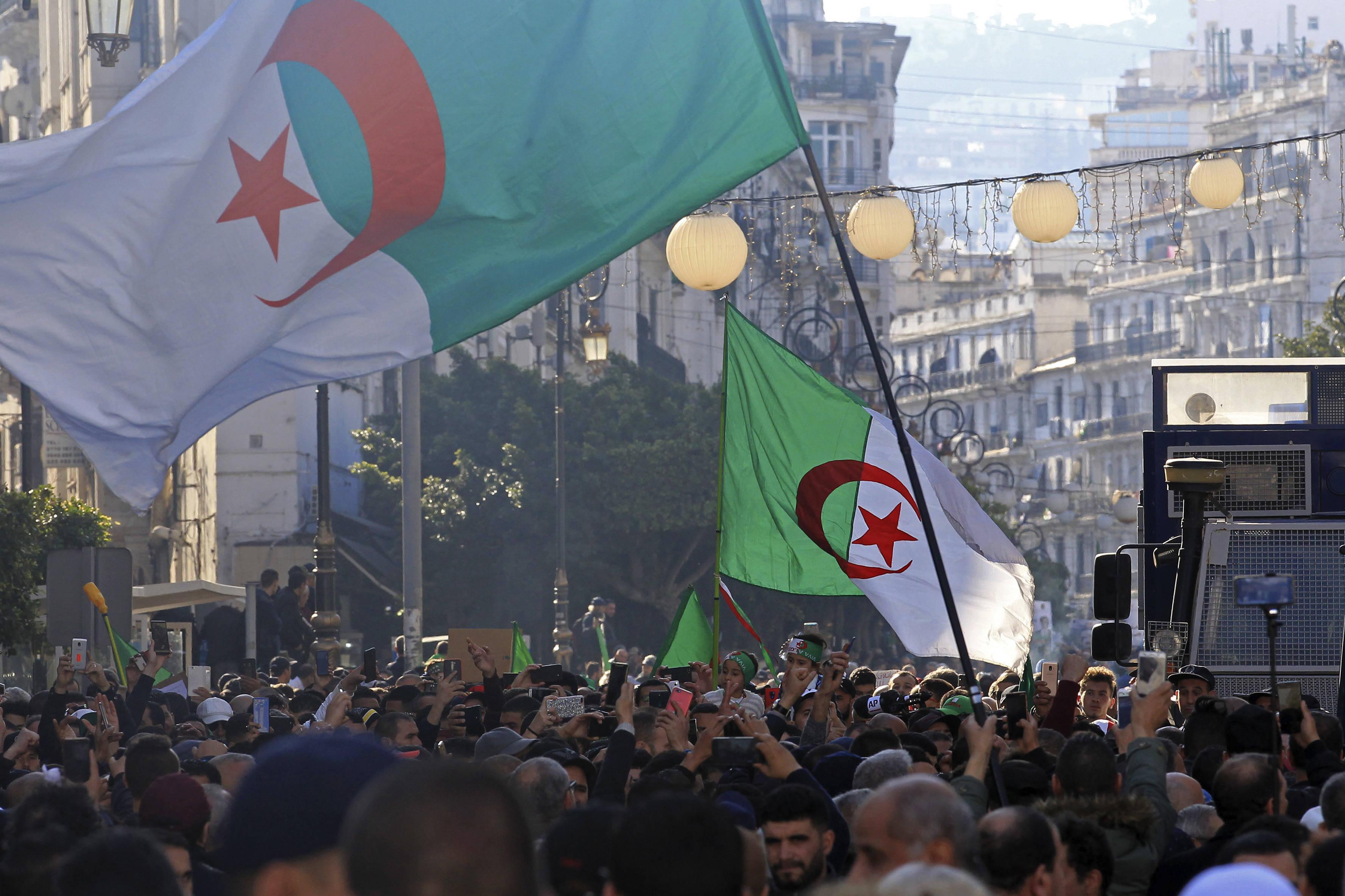 Des Algériens manifestent contre le gouvernement à Ager, le 3 janvier 2020.