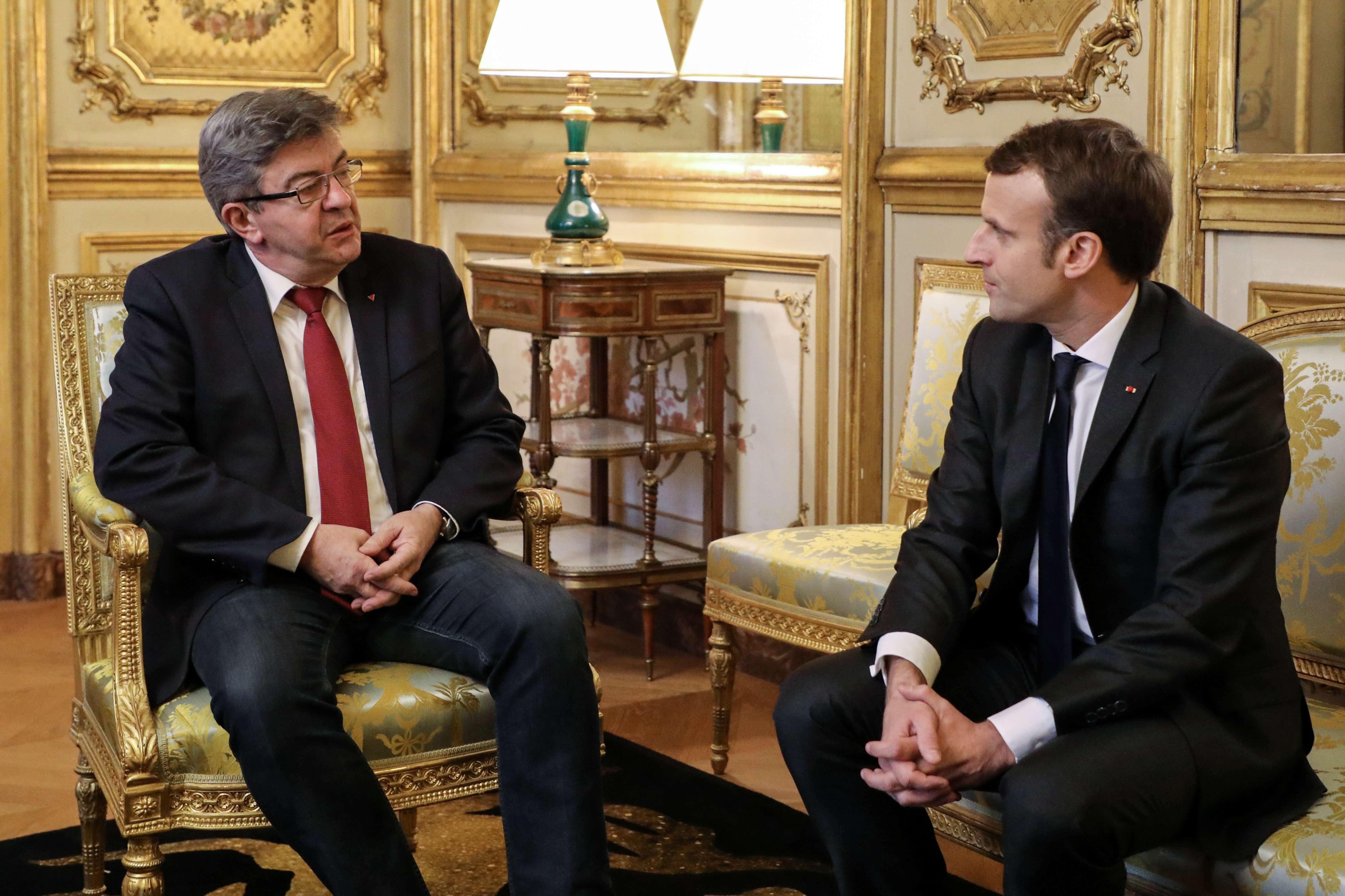 Jean-Luc Mélenchon et le président français Emmanuel Macron, le 21 novembre 2017.