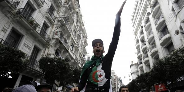 Lors d'une manifestation à Alger, le 10 janvier 2020.