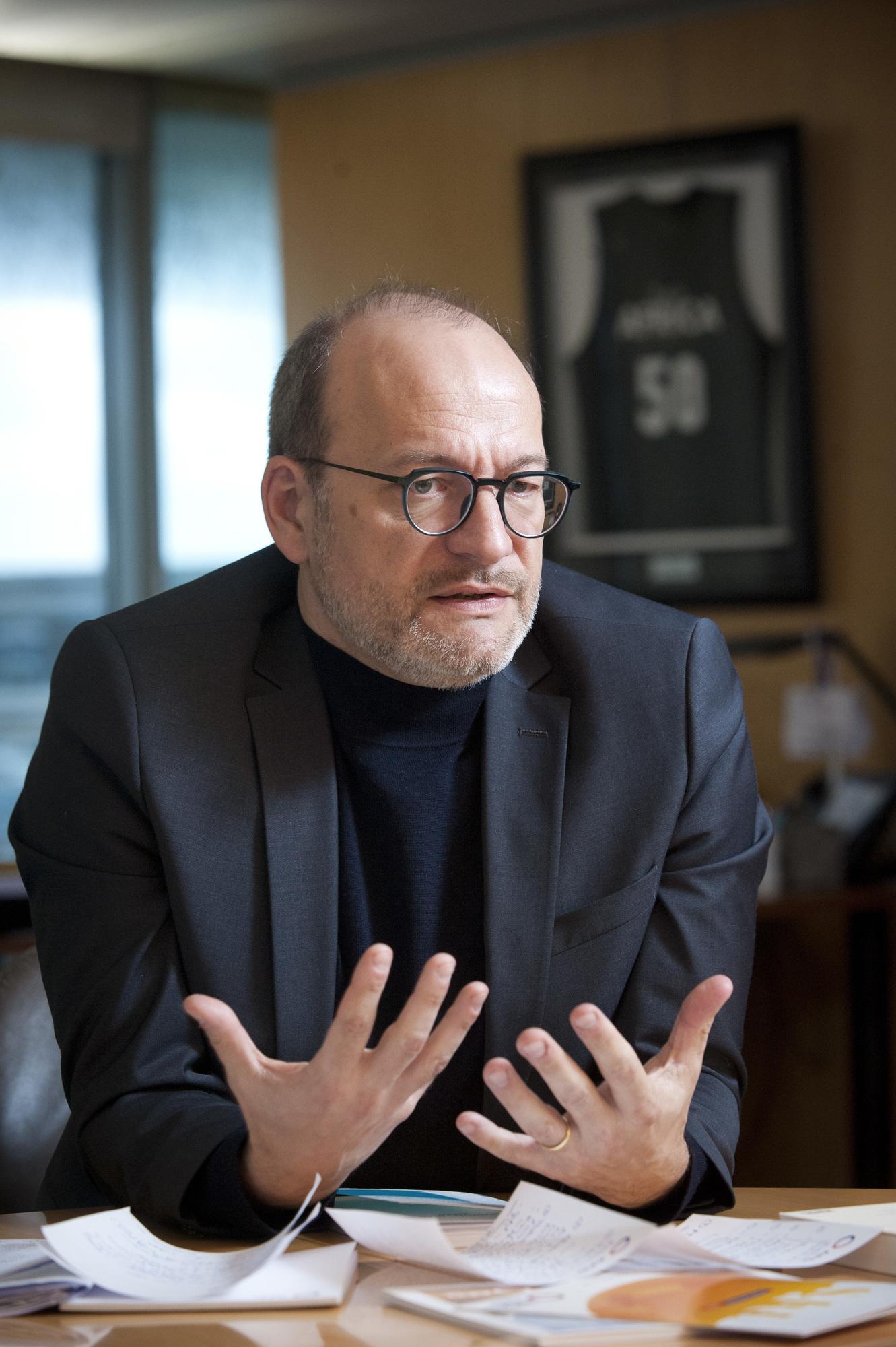 Remy Rioux (France), directeur general de l'Agence française de developpement (AFD), dans son bureau a Paris, le 15.01.2020. Vincent Fournier/JA