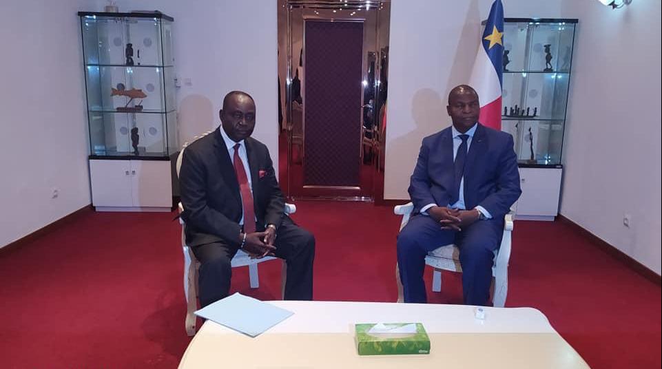 François Bozizé et Faustin-Archange Touadéra à Bangui, le 21 janvier 2020.