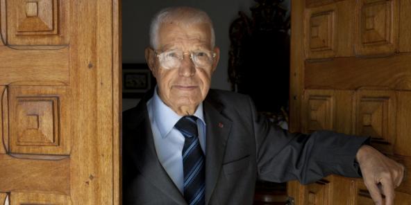 Hédi Baccouche, ancien Premier ministre de la Tunisie, dans sa maison à Tunis le 18 novembre 2013