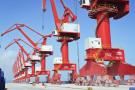 Les nouvelles grues géantes du Doraleh Multi-Purpose Port (DMP), terminal portuaire en construction par des entreprises chinoises. A Doraleh (Djibouti) le 13.03.2017. © Vincent Fournier/JA
