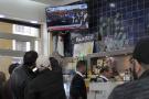 Les consommateurs d'un café algérien regardent le procès d'Ahmed Ouyahia à la télévision, le 4 décembre 2019