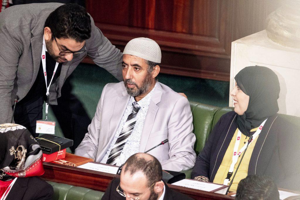 13 novembre 2019 : le député Saïd Jaziri, du parti islamiste Arrahma. L'Assemblée des représentants du peuple a tenu ce mercredi sa première séance plénière de la nouvelle législature suite aux élections du 6 octobre sous la présidence du doyen des députés Rached Ghannouchi, président du parti Ennahdha et candidat à la présidence de l'ARP. Après des premiers échanges houleux, notamment de la députée Abir Moussi, les députés ont élu avec 123 voix sur 217 Rached Ghannouchi nouveau Président de l'ARP grâce au soutien de dernière minute du parti de Nabil Karoui, Qalb Tounes, malgré une campagne anti Ennahdha. Samira Chaouchi, députée du parti Qalb Tounes est ensuite élue vice présidente de l'ARP.