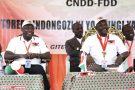 Le général Évariste Ndayishimiye (à g.) avec le président Pierre Nkurunziza, lors du congrès du CNDD-FDD, le 26janvier à Gitega.