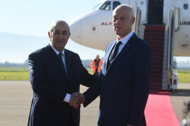 Le président algérien Abdelmadjid Tebboune et son homologue tunisien Kaïs Saïed, le 2 février 2020.