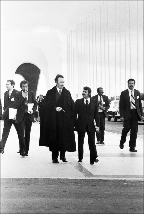 Avec Houari Boumédiène, en mars 1975.