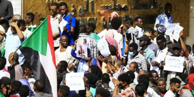 L'après Omar el-Béchir au Soudan : un si long chemin vers la liberté – Jeune Afrique