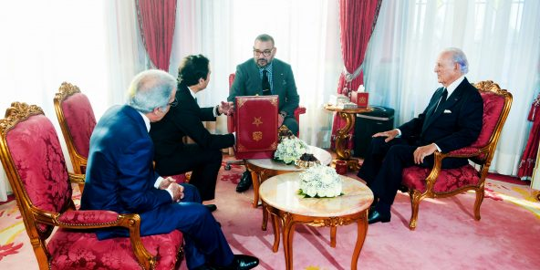 MohammedVI recevant Mohamed Benchaâboun, Abdellatif Jouahri, gouverneur de la Banque centrale, et Othman Benjelloun, président du GPBM, au palais royal de Rabat, le 27janvier.