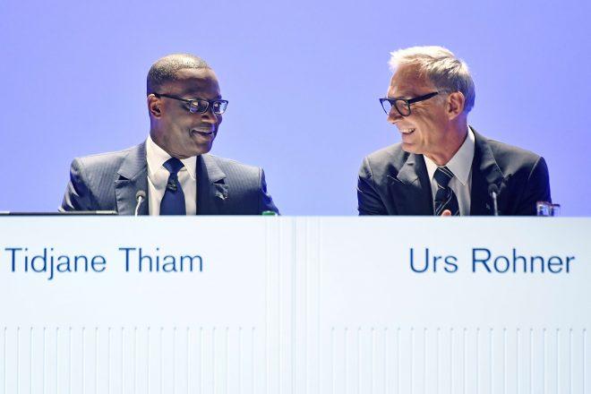 idjane Thiam (g.), directeur général de Credit Suisse, et Urs Rohner (d.), président de la banque.
