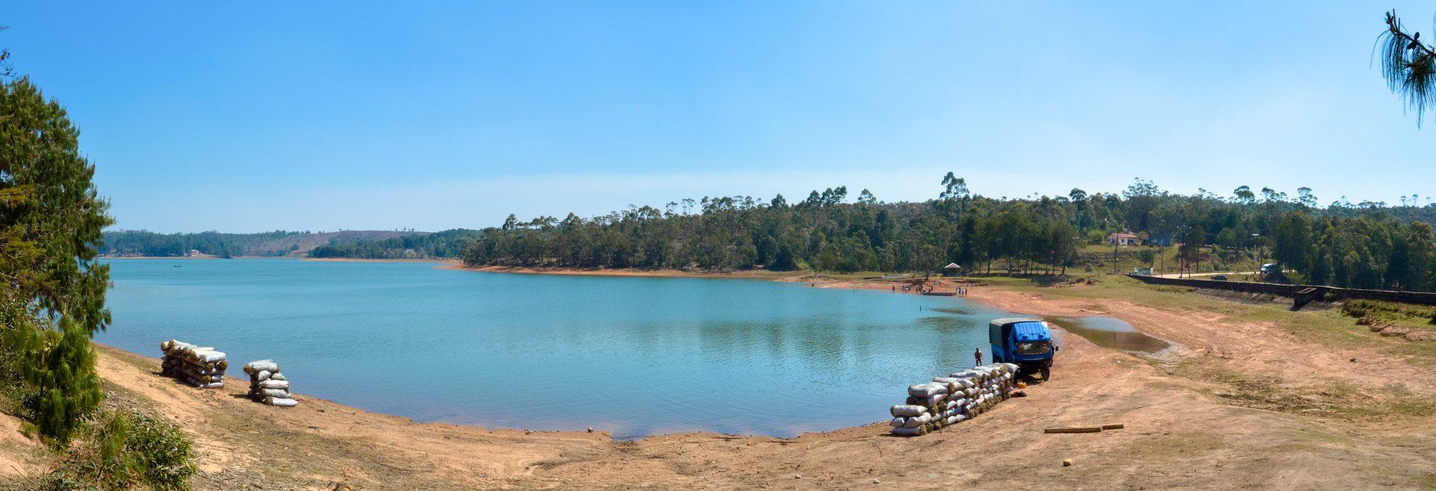 Le lac artificiel de Mantasoa, à 60 kilomètres au nord d'Antananarivo