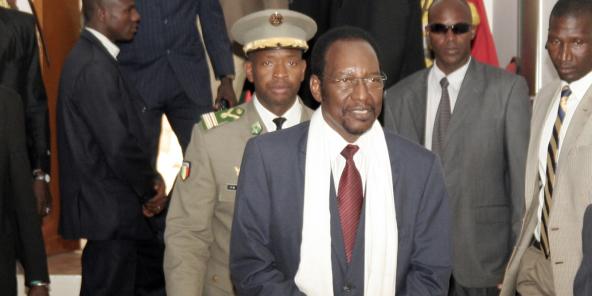 Dioncounda Traoré (écharpe blanche)Cérémonie de présentation de voeux à Koulouba le 26 décembre 2012.