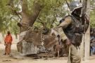 Un membre de la Brigade d'intervention rapide (BIR) camerounaise, lors d'une opération contre Boko Haram en mars 2016.